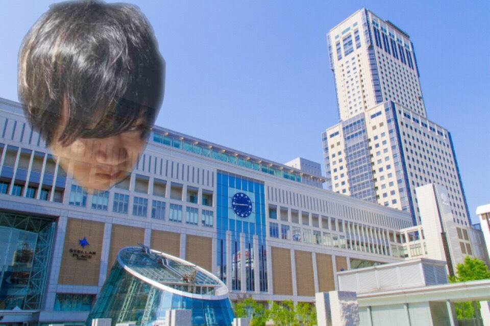 札幌駅を見守る