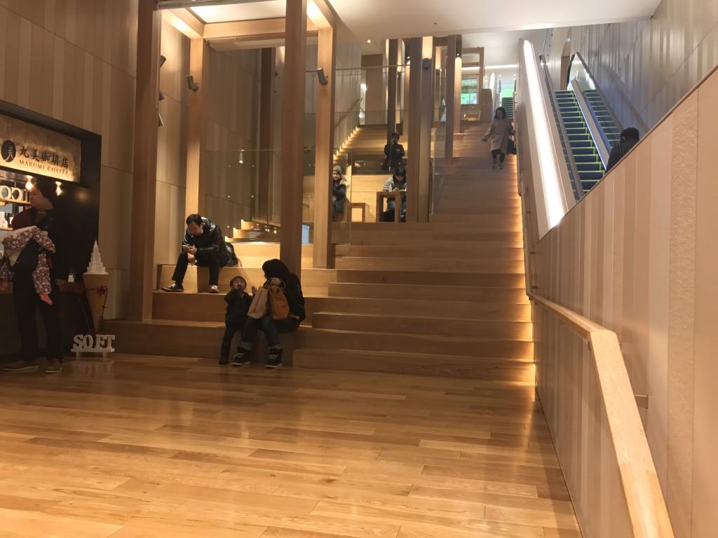 シタッテサッポロの階段