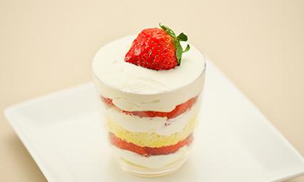 奏春楼のカップショートケーキ