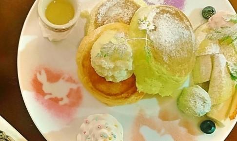パンケーキ専門店幸せのレシピ~なないろパンケーキ~のなないろパンケーキ(上から)