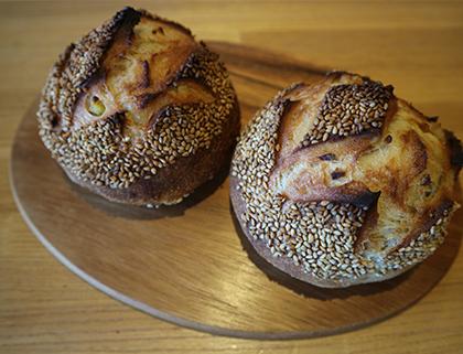 胡麻と柚子香るさつまいものパン