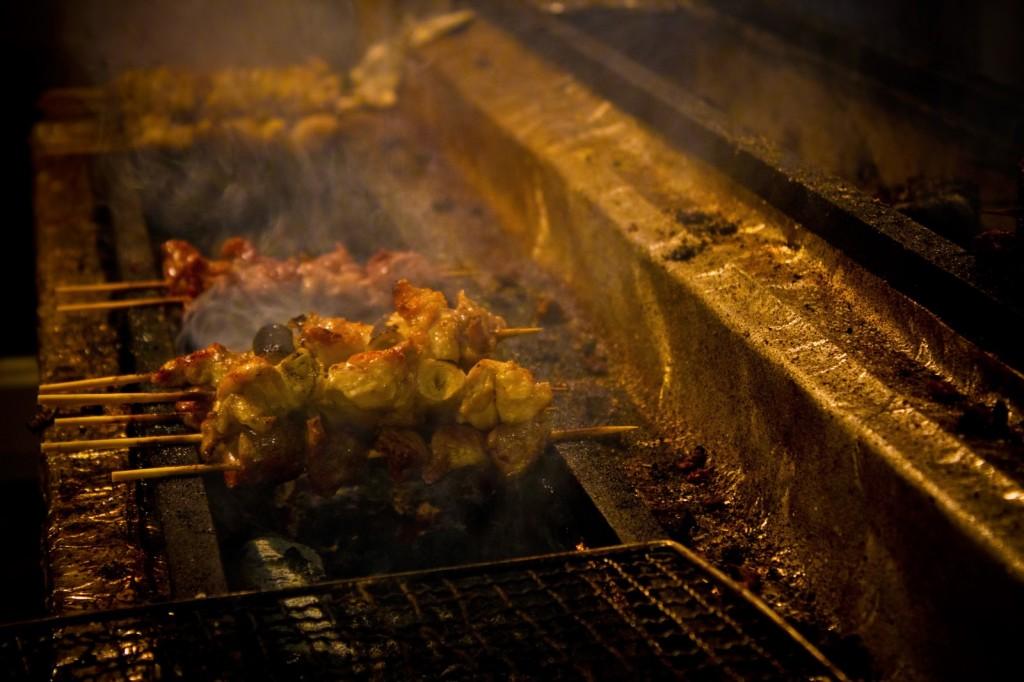 【11/22】南区澄川に炭火焼のお店『炭火と酒で 串が翔ぶ』がオープン!『ラムージユッ あ』の後継店