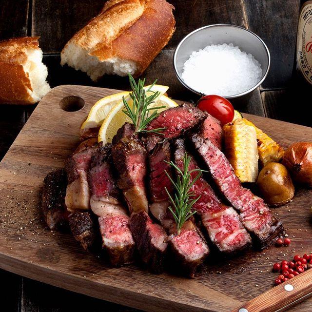 イタリア酒場で提供される肉