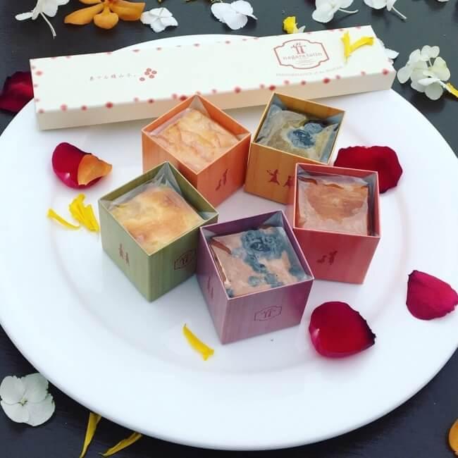 ナガラタタンのキューブ型パウンドケーキ『奏でる積み木』