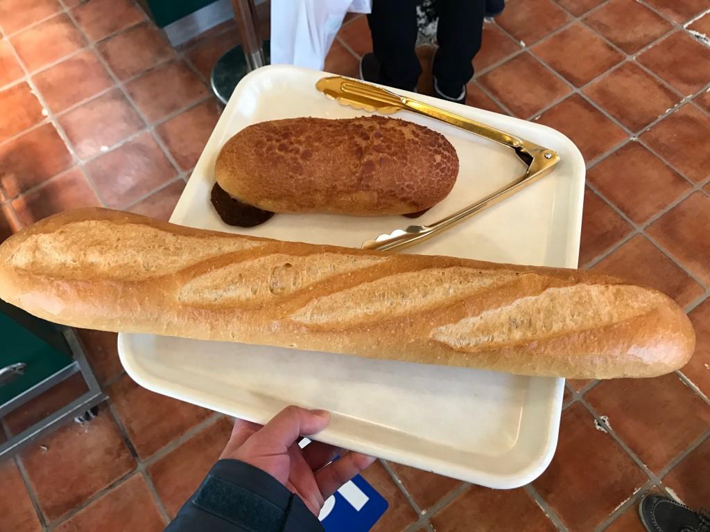 ボストンベイクで買ったパンの大きさ