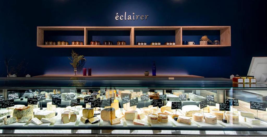 チーズ専門店 エクレレに並んでいるチーズ