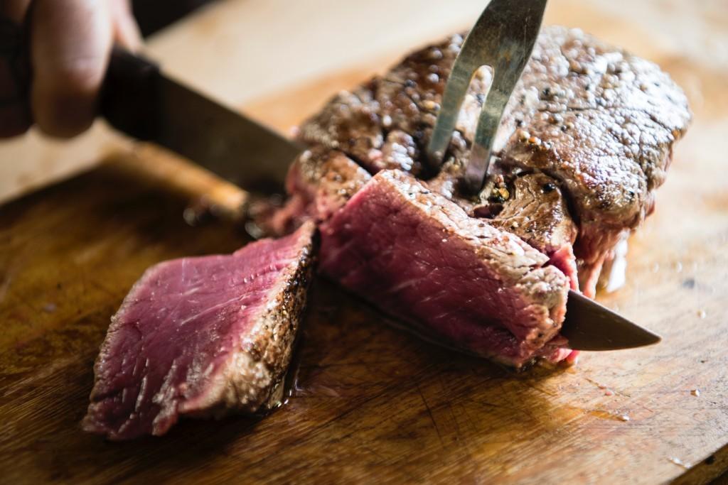 旭高砂牛を使ったステーキ・ハンバーガー専門店 北海ちくさんが大通にオープン!