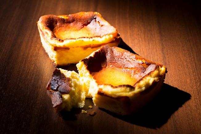 札幌グランドホテルで今話題のバスクチーズケーキ2種類を新発売!