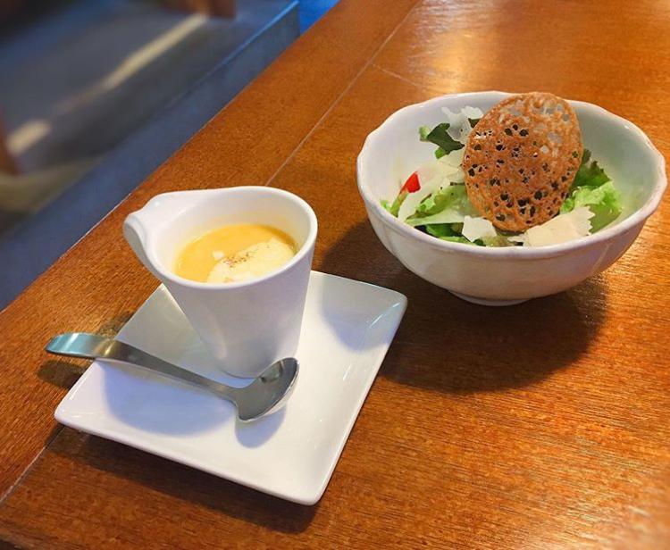 クレープリー月のランチセットのサラダとスープ
