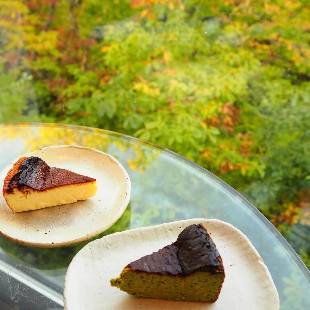 カフェ 崖の上の『バスクチーズケーキ』