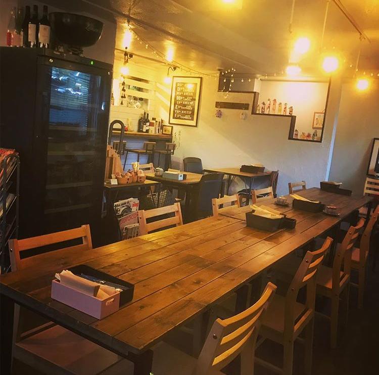カフェ&キッチンunique ユニックの店内