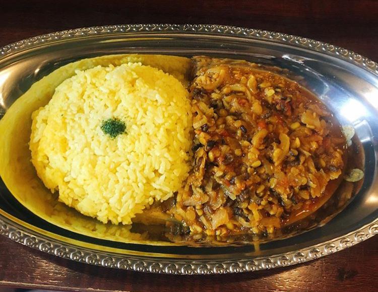 『カレー パンドラ』トマトチキンカレーは500円とコスパの良いカレー屋