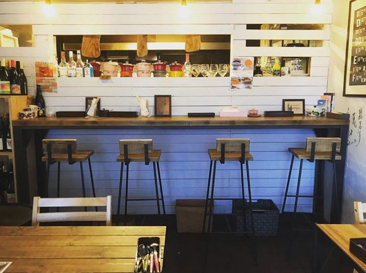 カフェ&キッチンunique ユニックのカウンター席