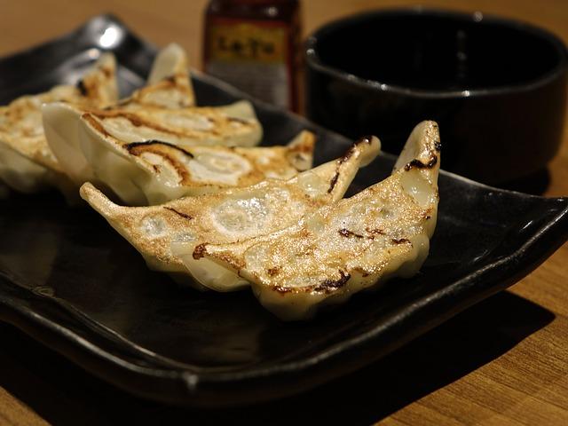 餃子や担々麺が人気の『中国麺飯店 万豚記(ワンツーチィ)』