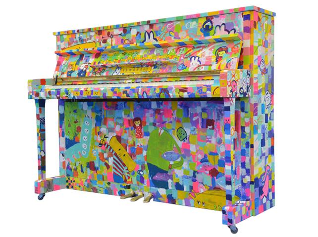 JRタワーに設置されるストリートピアノ