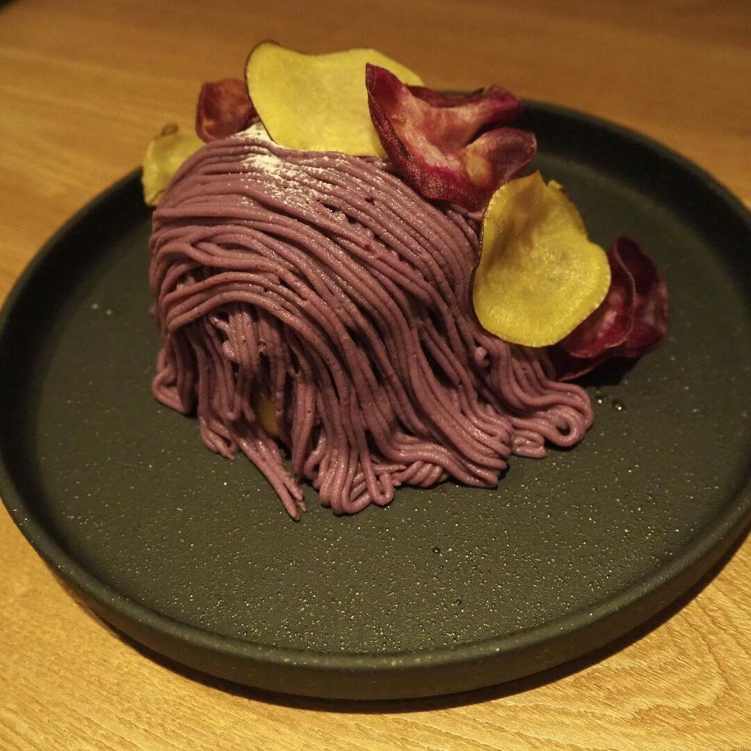 CafeBlue(カフェブルー) シタッテサッポロ店の『紫いもモンブランパンケーキ』