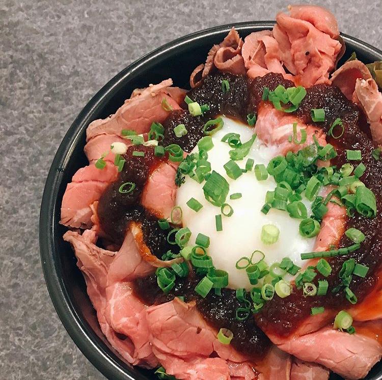 Creation Dining MONTES (モンテス)のローストビーフ丼