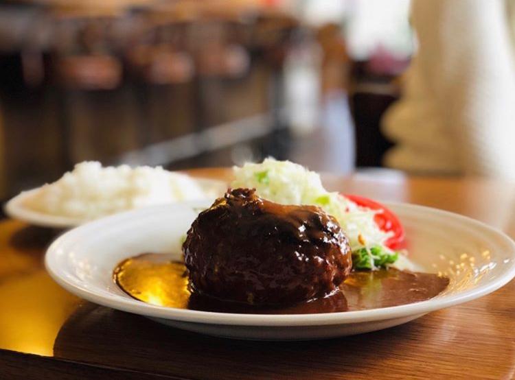 【とわいらいと】とろりチーズとたっぷりデミソースのハンバーグが美味しい喫茶店