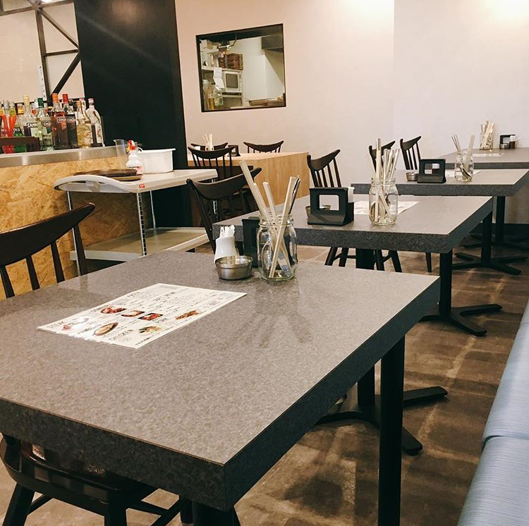 Creation Dining MONTES (モンテス)の店内