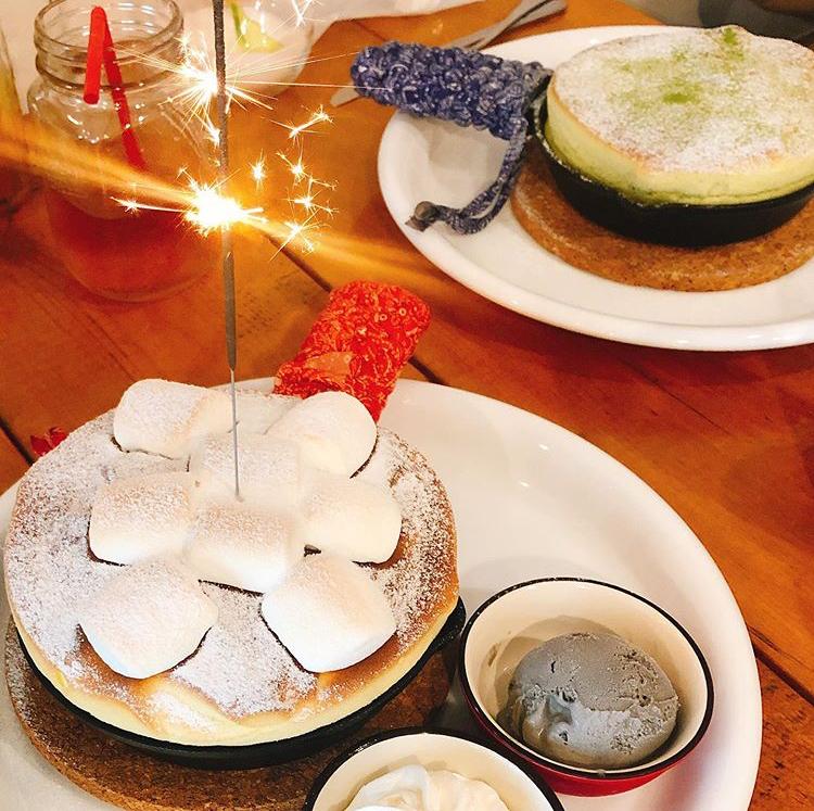 シェリーのポッケのお誕生日 スフレパンケーキ