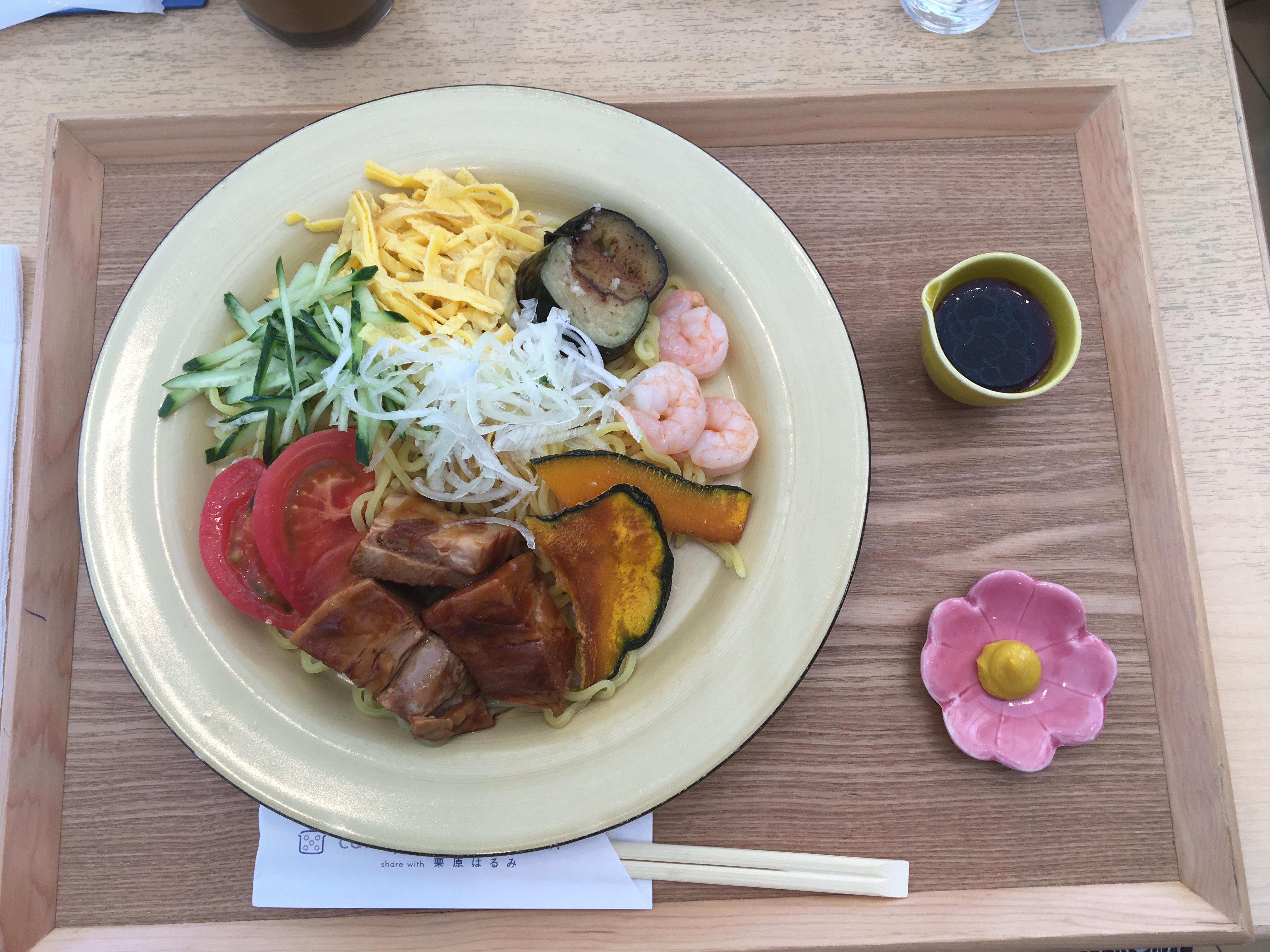 カフェ ゆとりの空間 大丸札幌店の札幌限定ごちそう冷やし中華(ドリンクセット)