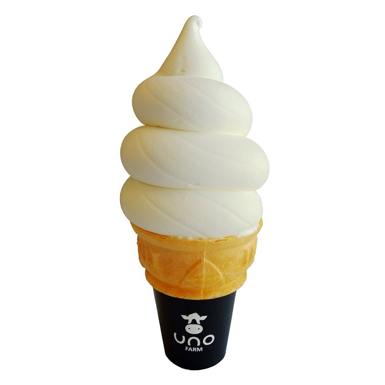 天塩町「宇野牧場」のもこもこソフトクリーム