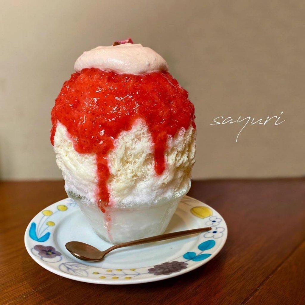 氷処さゆりの『いちごさくらミルク+桜あんホイップ』