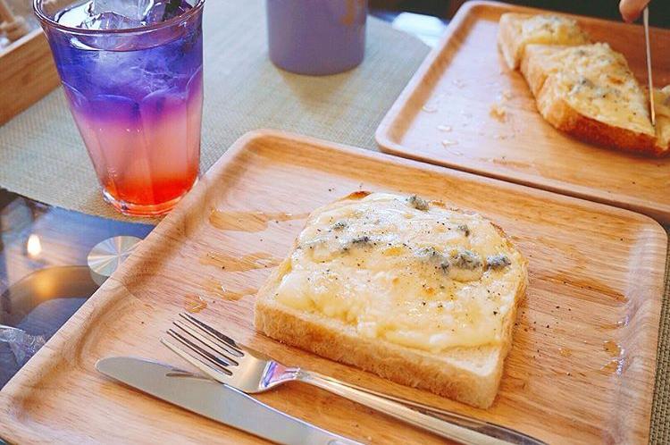 乃木坂な妻たちのチーズたっぷりトースト
