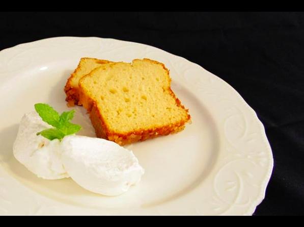 福福楼のクリームケーキ