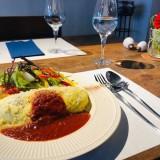 【キッチンうふ】こだわり卵で作るオムライスやプリンアラモードを提供する週末限定のカフェ