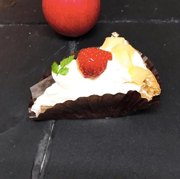 三角山アップルパイ専門店の『アップルパイ×ショートケーキ』