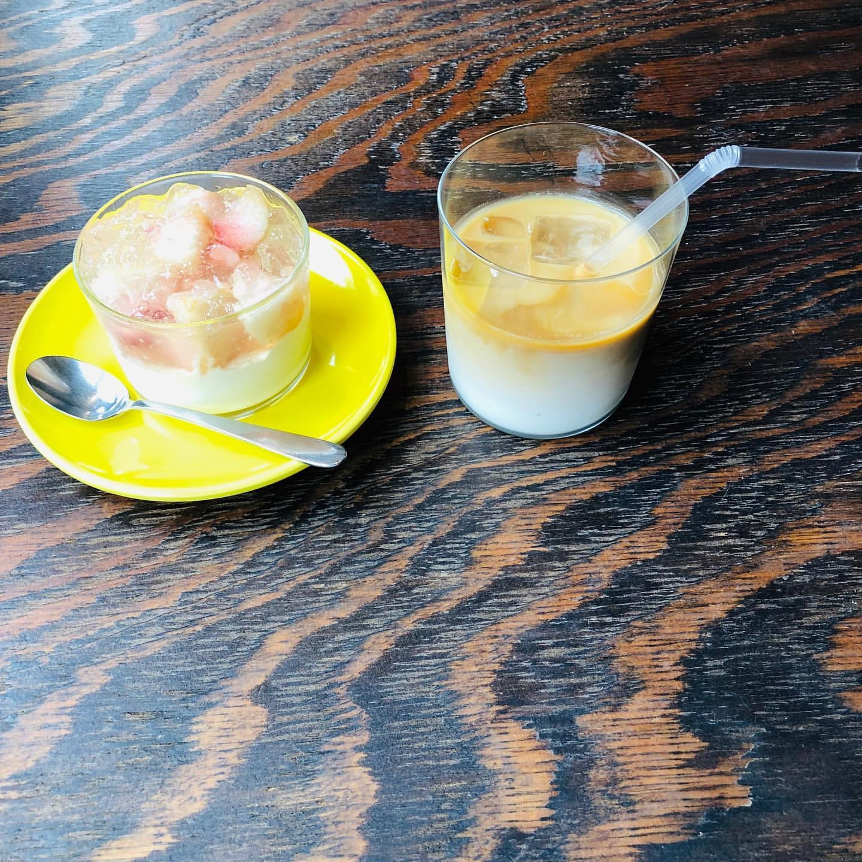 ミキオコーヒー(仮)の桃のブランマンジェとコーヒー
