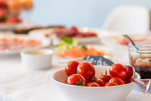 【チャットニック】ハーブティーや肉料理を提供するカフェ&肉ダイニング