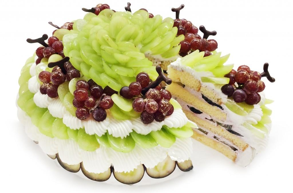 カフェコムサの3種のぶどうのショートケーキ