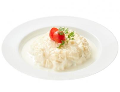 ミルク&パフェ よつ葉ホワイトコージのミルク屋さんの白いオムライス
