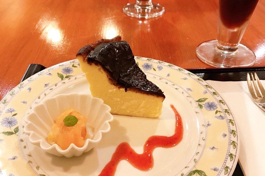 私のごはん屋さんDon menu(ドンムニュ)のバスクチーズケーキ