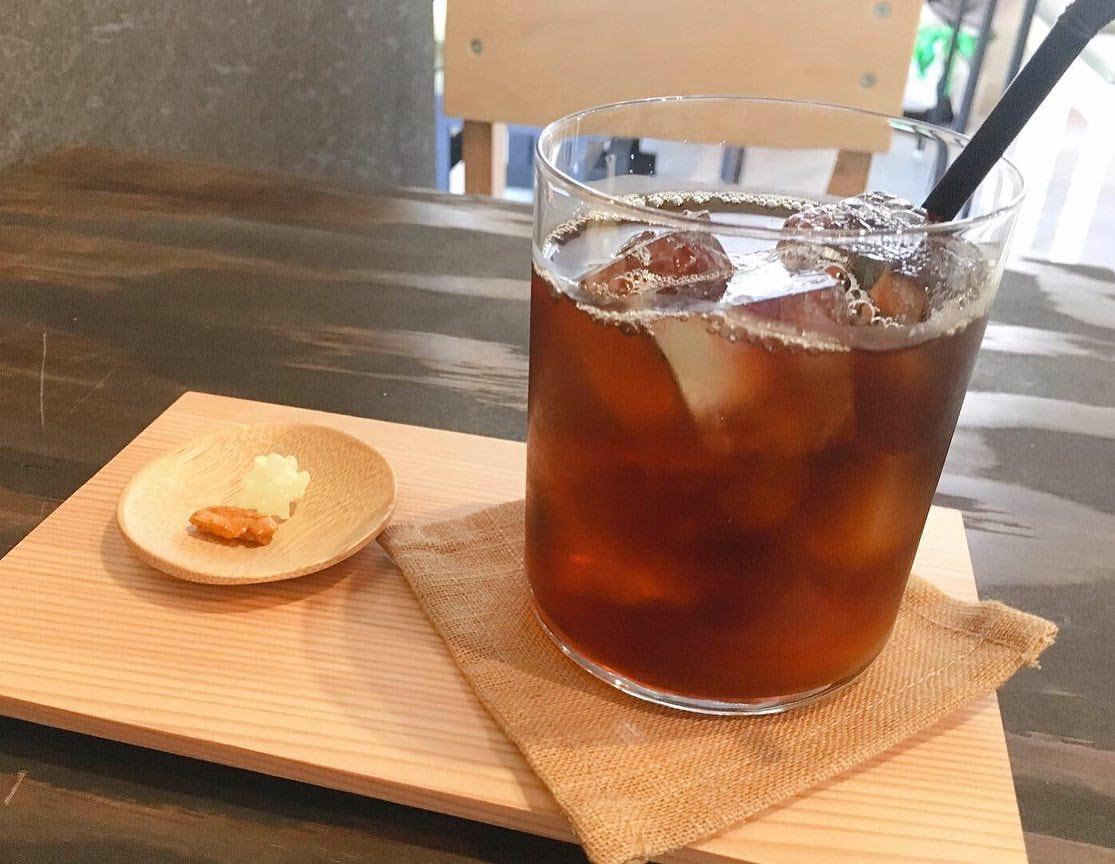 コーヒー屋さん 月祭(つきさい)のアイスコーヒー