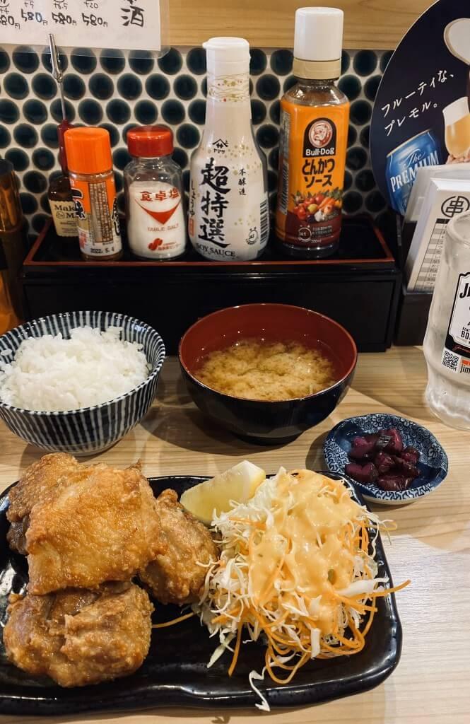 串カツスタンド 恵比寿の鶏の唐揚げ定食