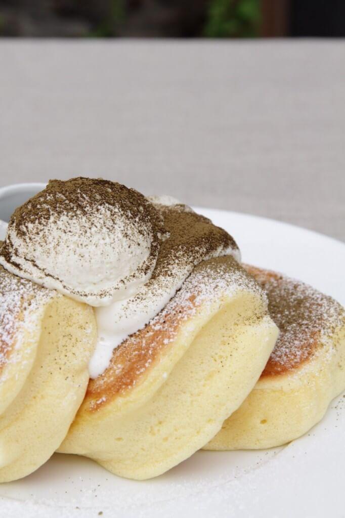 幸せのパンケーキのほうじ茶のティラミスパンケーキ