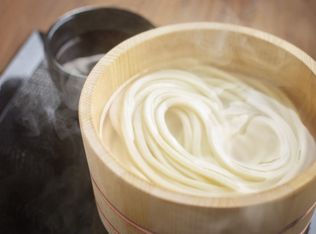 丸亀製麺の釜玉うどん(並)