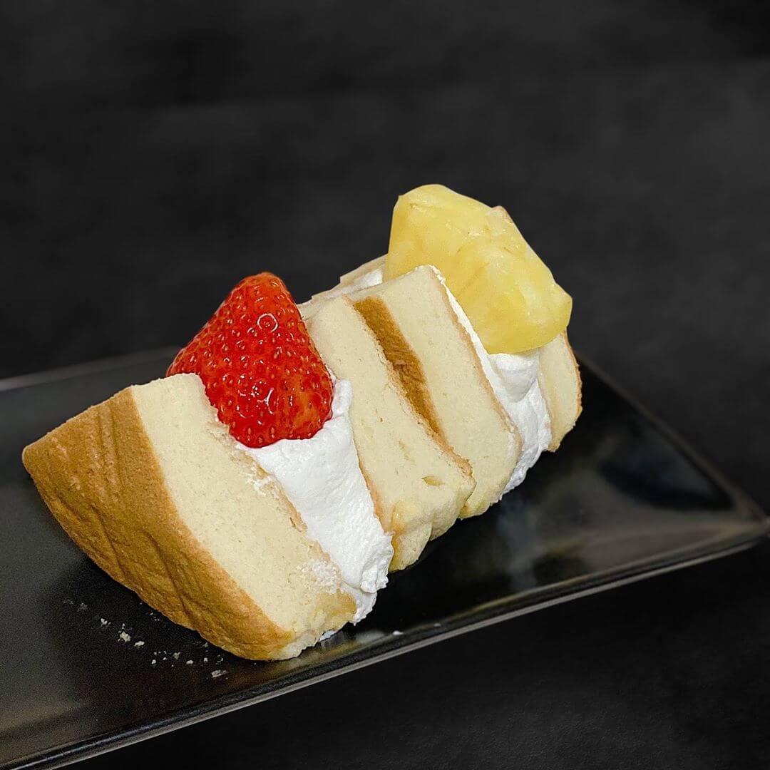 椿さんど 円山本店のフルーツサンド(いちご&ゴールデンパイン)