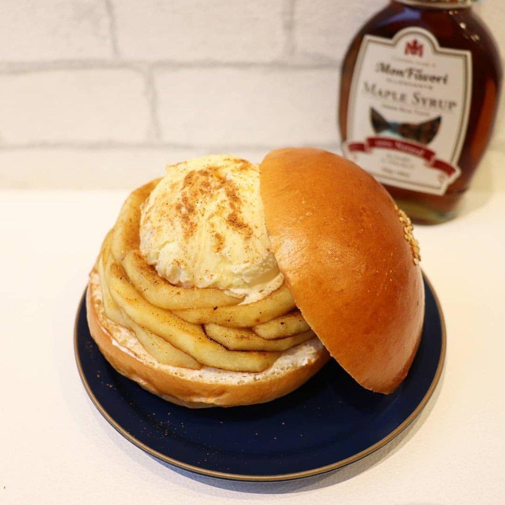 シムスレーンバーガースタンドの『ベイクドアップル&メープルシロップアイスバーガー』