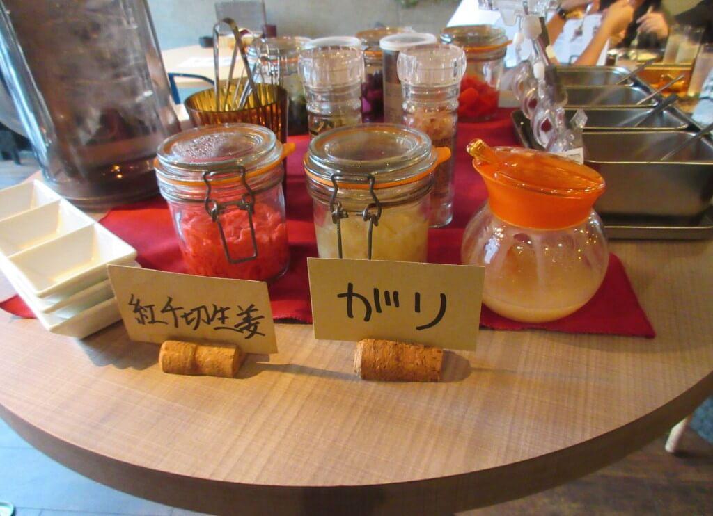 焼き鳥 ワイン Ajito(アジト)に置いてある漬物3