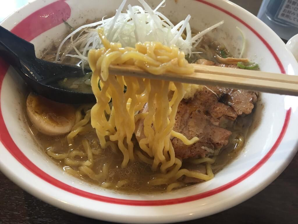 綱取物語の『綱取味噌』の麺