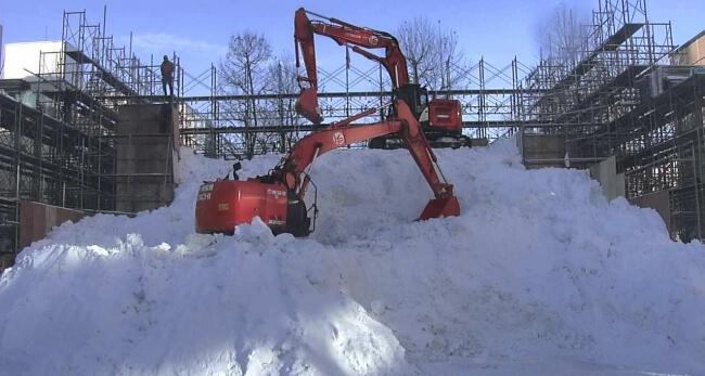 第71回さっぽろ雪まつりの大通4丁目STV広場の大雪像