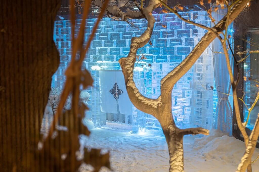 雪灯りのレストランの様子2