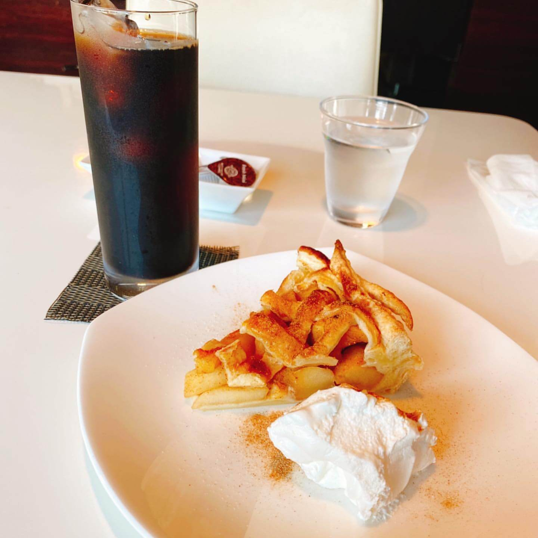 カフェ フライングピッグのアップルパイ