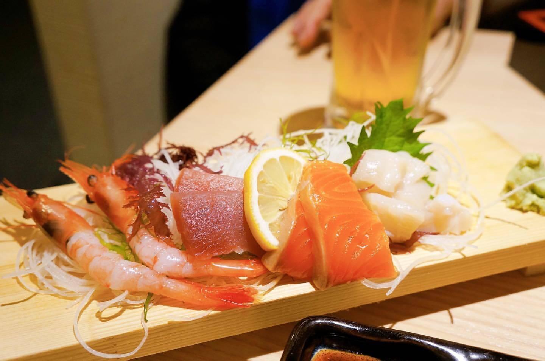 北海道海鮮 にほんいち 地酒蔵の刺身