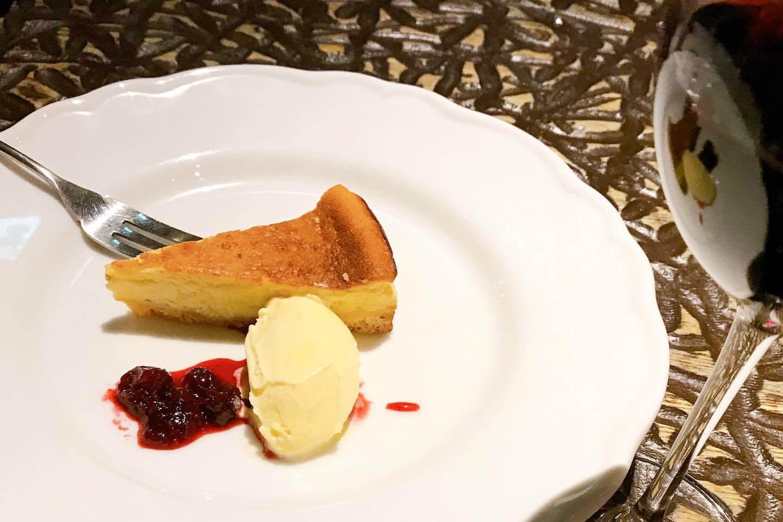 スペイン バルトーティラフラットの『ワイン酒場のチーズケーキ』