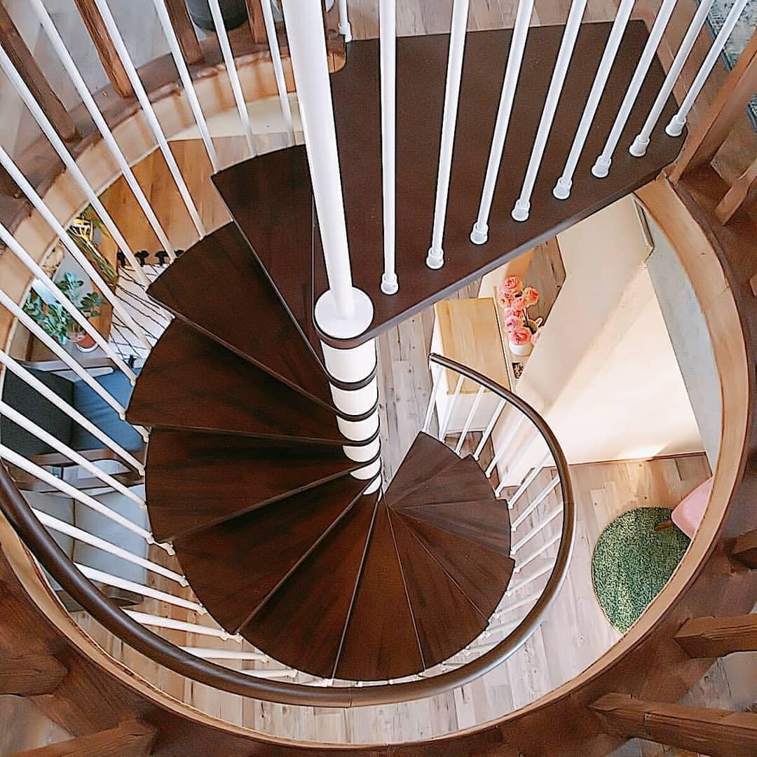La Maison Nollys(ラメゾンノーリーズ)の螺旋階段